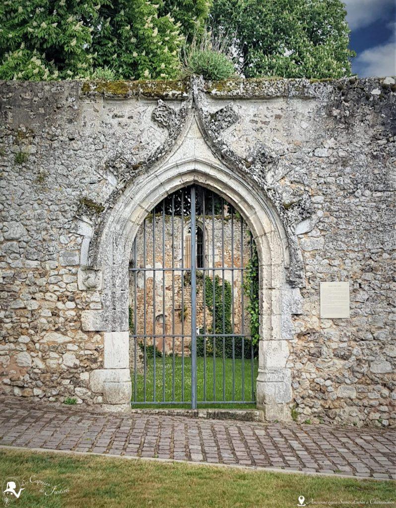 Eglise Saint Lubin à Chateaudun, portail du verger de grimhilde