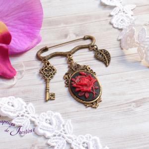 Broche steampunk gothique victorien avec camée de rose rouge et noir et cristal swarovski